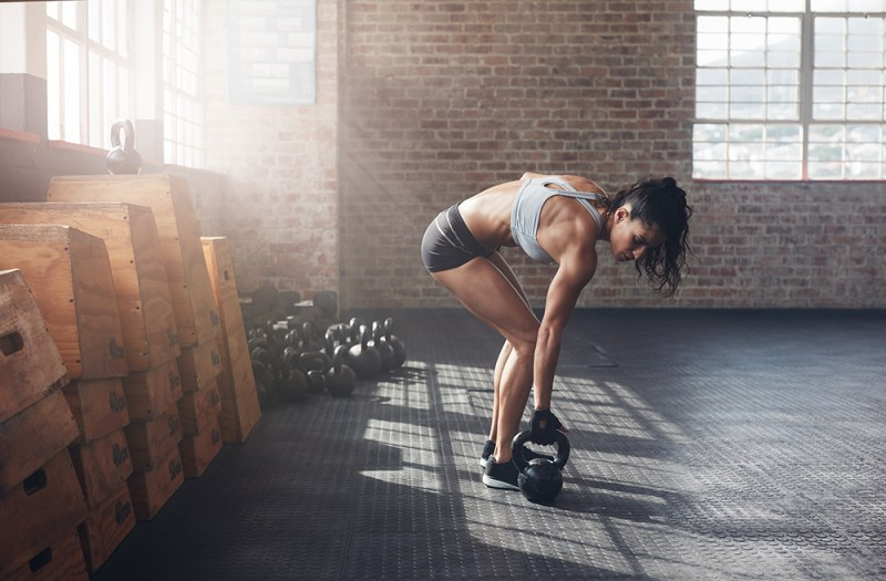 One-Kettlebell-to-Workout-your-whole-Body-Farmers-Walk-Suitcase-Carry