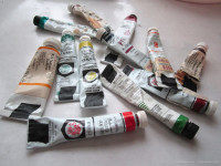 Paints with questionable lightfastness