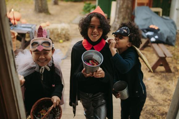 Etsy Halloween - kids trick or treating in handmade costumes