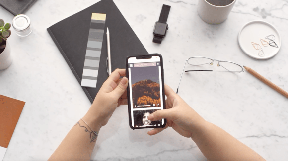 hands scrolling through social media