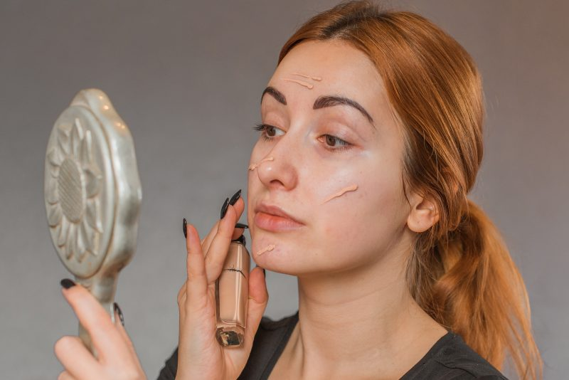 Rekomendasi Makeup untuk Kulit Berminyak