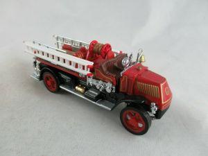 Matchbox Models of Yesteryear : YFE01 : 1920 Mack AC Fire Engine (Issue 08)