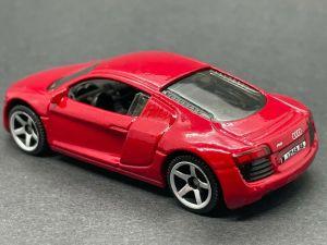 Matchbox MB726 : Audi R8 (2011 Basic Range & France Collection)