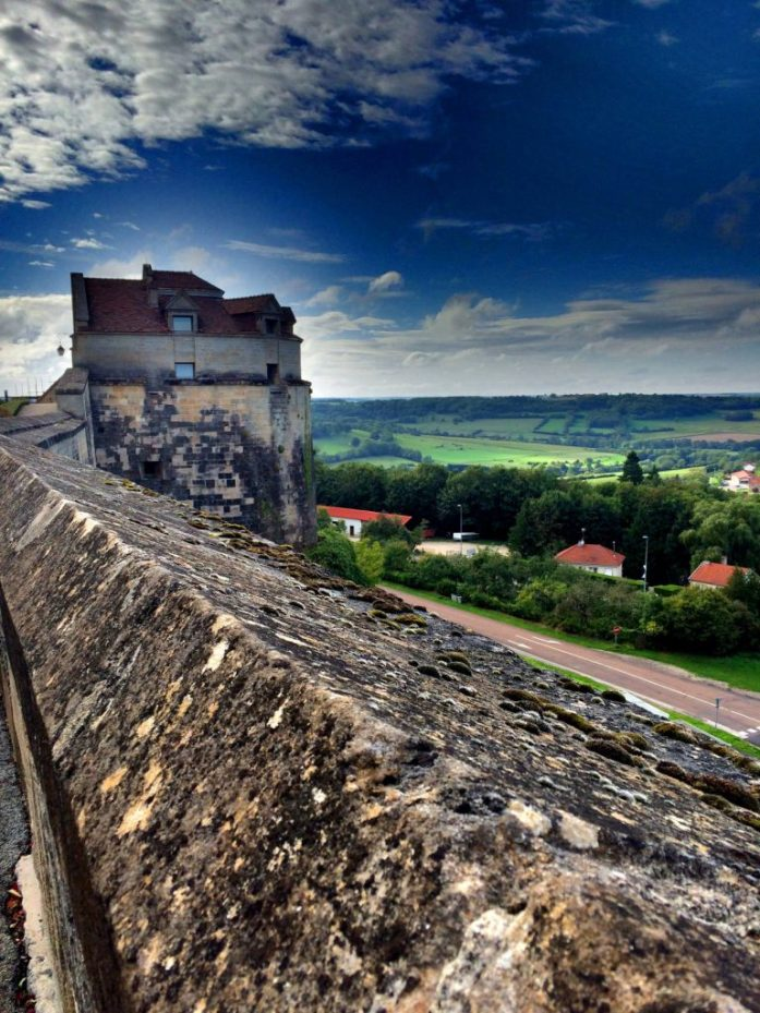 Langresin muurilta näkymät laaksoon.