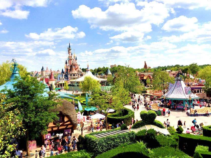 Disneyland kauniina kesäpäivänä.