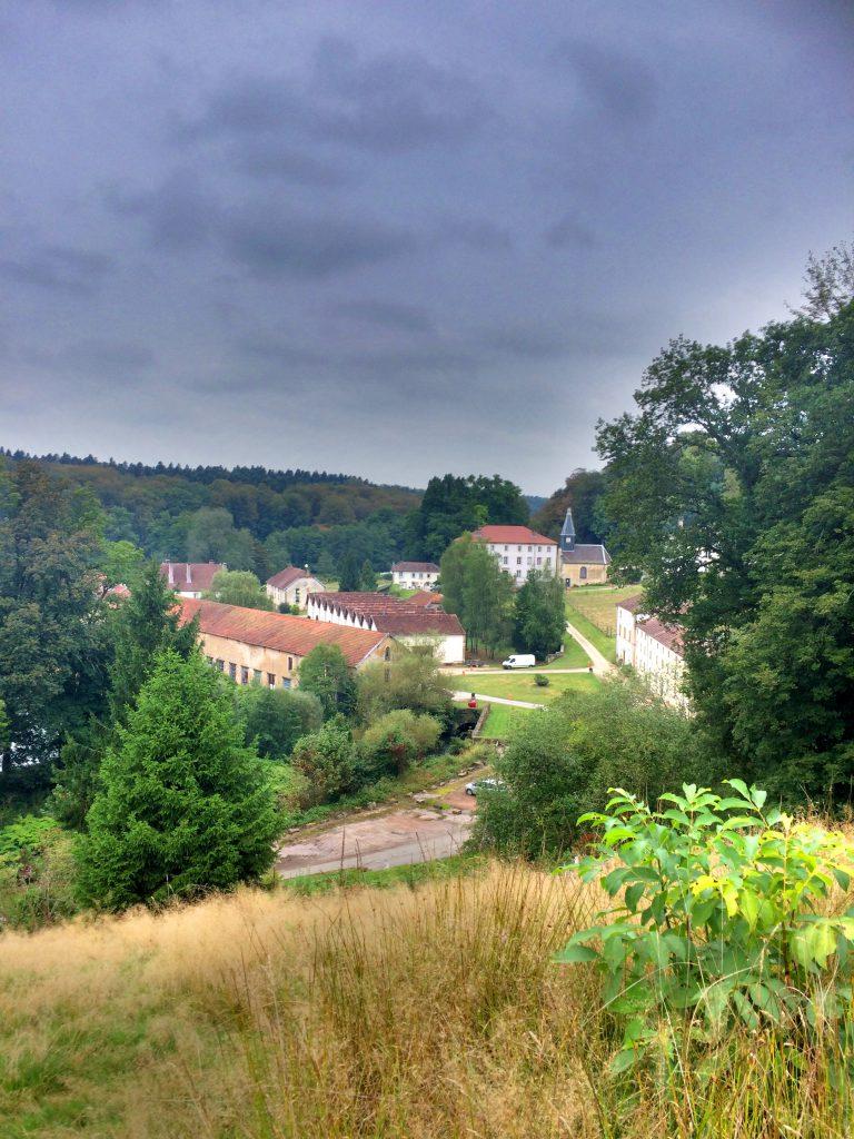Bains-les-Bainsin kuninkaallisen tehtaan tilukset.