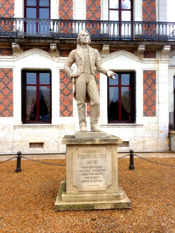 Blois tunnetaan myös Houdinin synnyinkaupunkina.