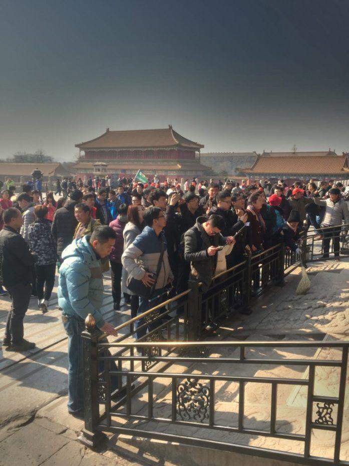 Jokaisessa suorassa linjassa olevassa rakennuksessa oli keisarin tuoleja, jotka olivat pidettyjä nähtävyyksiä.