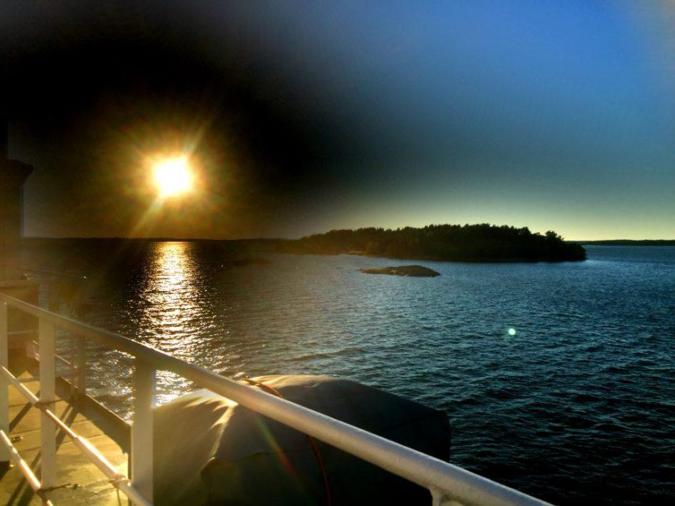 Matka kului auringonlaskua katsellessa.