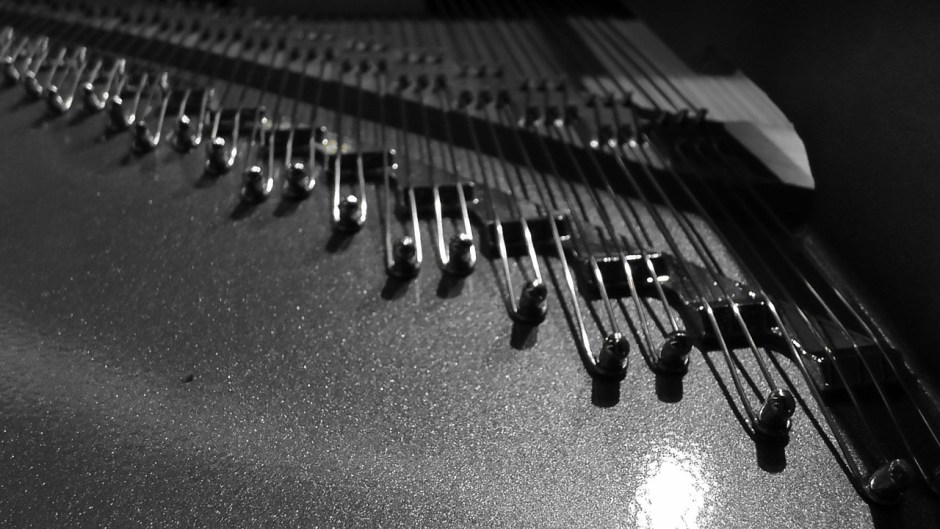piano-strings-108429_1280