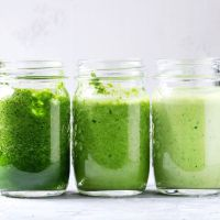 I Can't Stop Drinking This Green Smoothie + 3 Steps For Successful Meal Prepping