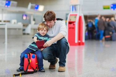 Resultado de imagen de children with father travel