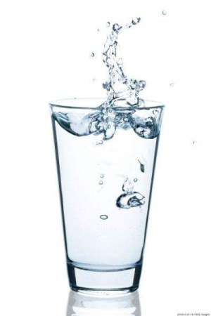 Drinking water helps maintain a healthy brain.