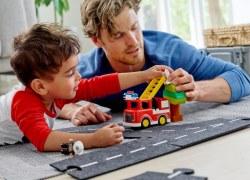 LEGO® Umfrage – Spielen stärkt Familienzusammenhalt während des Lockdowns