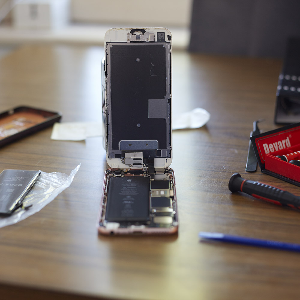 Opened iPhone 6S body when I was fixing my Apple equipment