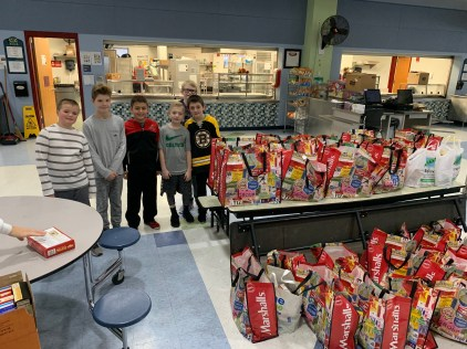 5th grade helpers are essential to the MPS Food Drive.