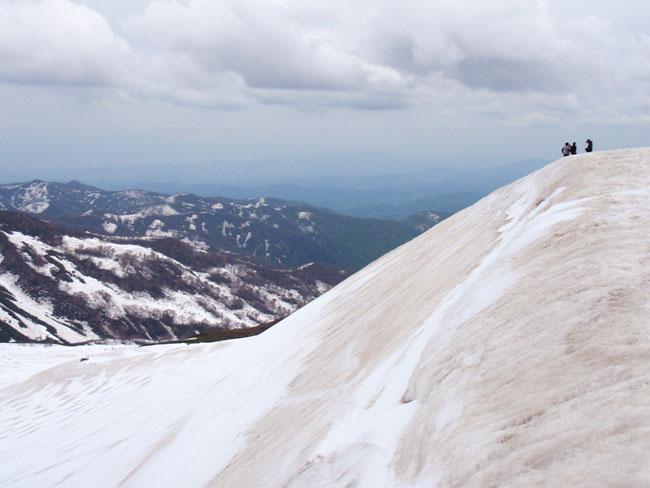 山形県にある月山スキー場の山頂