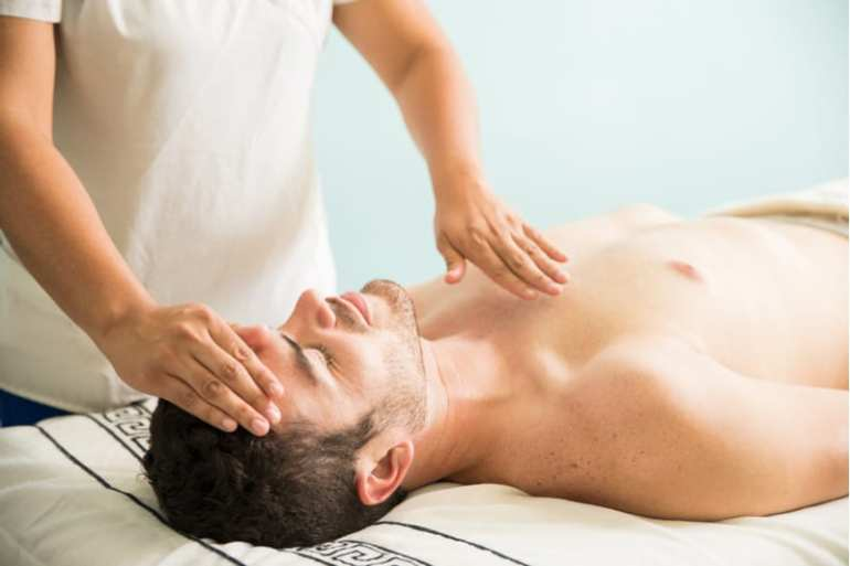 how does reiki work