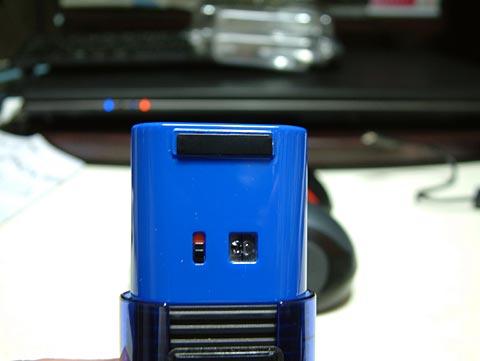 裏面はIR LEDと電源スイッチ。