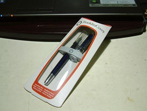 Flanklin Coveyの万年筆。FREEMONT BLUEでございます。