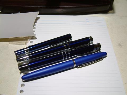 手持ちの青軸系万年筆を並べてみたよw