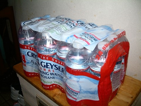 消費期限が2018年12月だから、保存食(水)にもいいよねw