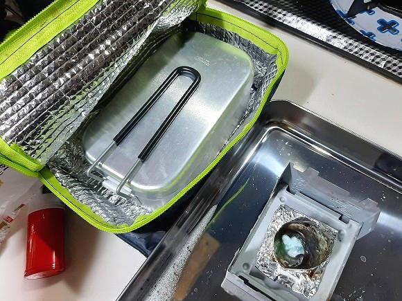 ダイソーの保温バッグに入れて15分ほど蒸らせば出来上がりです。