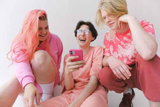 friends in pink clothes