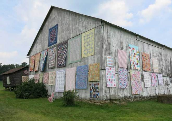CT-Sisters-Outdoor-Quilt-Show-4