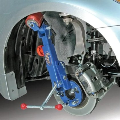 Fender Roller Mounted To Wheel Hub