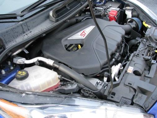 Fiesta_ST-Injen-Intake-WrinkleBlack-005