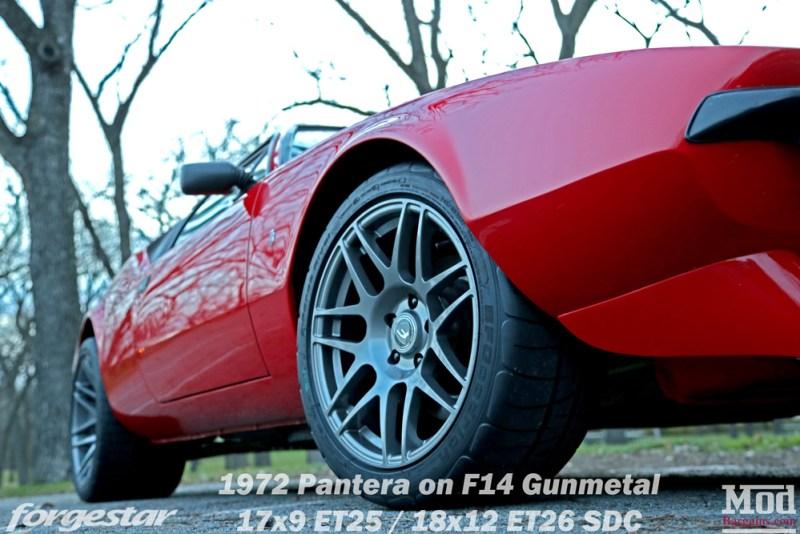 forgestar-f14-17x9et25-18x12et26-sdc-gunmetal-on-1972-detomaso-pantera-red-img005