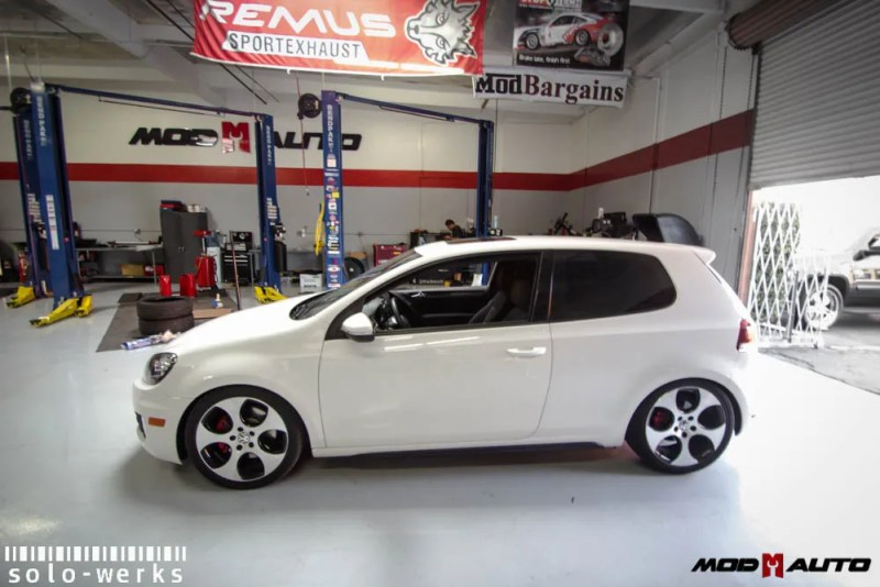 Solo-Werks-Coilovers-For-VW_Golf_GTI_Mk7_-1