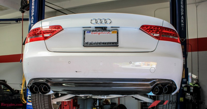 Audi_B8_A5_20T_AWE_Quad_Exhaust_Black_Tips_CF_Diffuser-13
