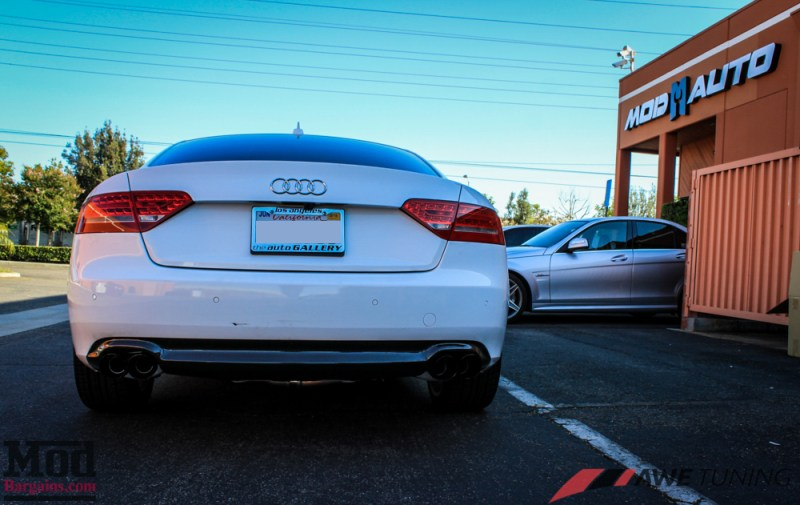 Audi_B8_A5_20T_AWE_Quad_Exhaust_Black_Tips_CF_Diffuser-20