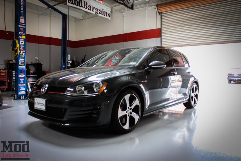 VMR_Wheels_V810_on_MK7_VW_Golf_GTI_img-1