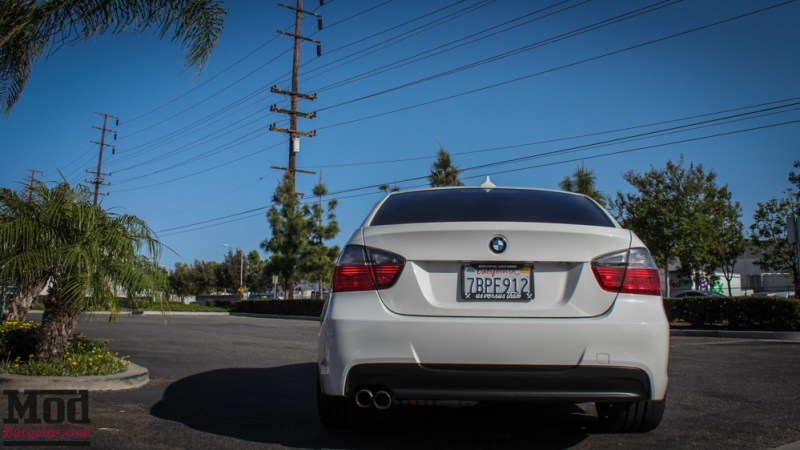 BMW_E90_328i_White_M3_Bumper_Msport_RR_-7