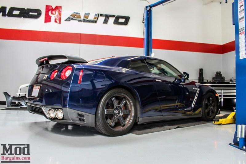Nissan_R35_GT-R_Blue_Borla_Midsection_-7