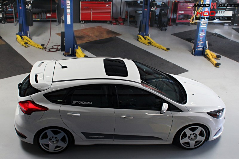 Ford_Focus_ST_2016_Mountune_MP275_Fifteen52_Tarmac_Silver (42)