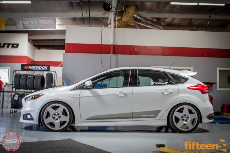 Ford_Focus_ST_2016_Mountune_MP275_Fifteen52_Tarmac_Silver (9)