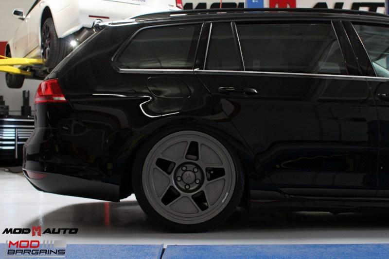 VW_Golf_Sportwagen_Fifteen52_Tarmac_R43_Airlift (20)