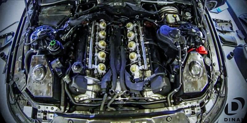 BMW_E60_M5_Dinan_Throttle_Bodies_S85_3