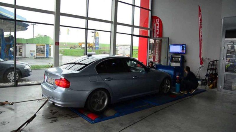 BMW_335d_on_Dyno