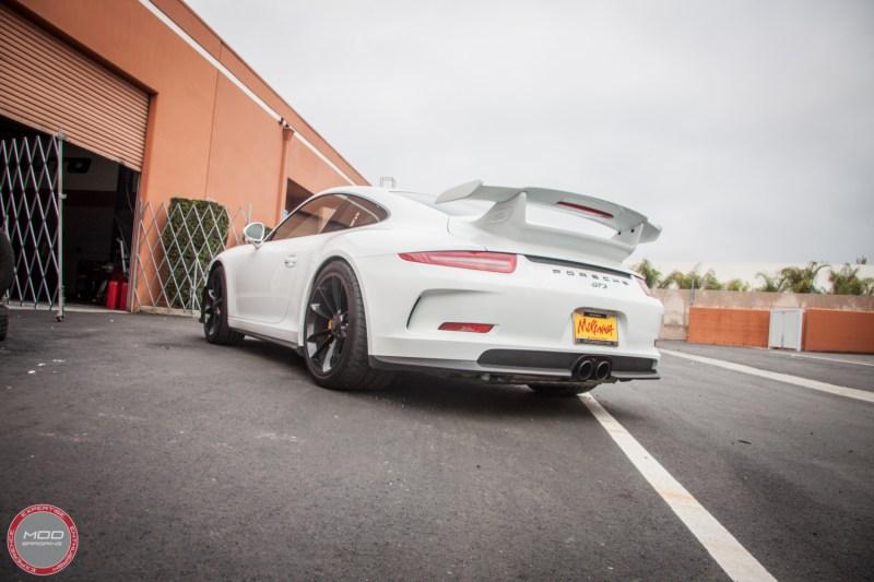 Porsche_911_GT3_991_Sharkwerkz_exh-5