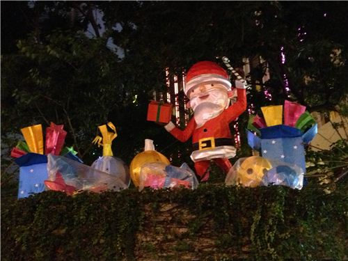 A nice contrast to the neon lights: Christmas lanterns