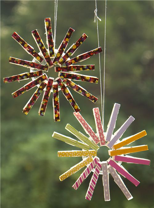 Today's Christmas craft: Christmas clothes-peg ornament