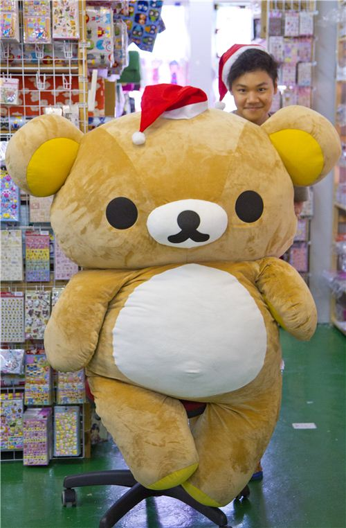 Rilakkuma and Burton have some Christmas gift suggestions for you