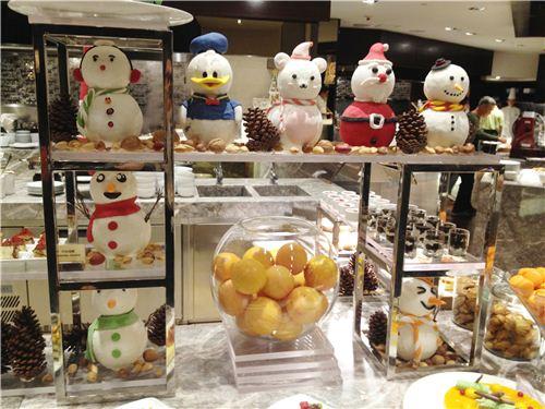 Fun Christmas figurines