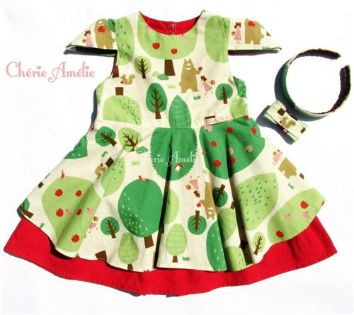 What a wonderful summer dress. Check out her Facebook photo album to see more pictures