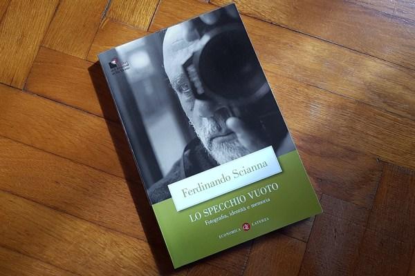 """Fotografia di ritratto: """"Lo specchio vuoto"""" di Ferdinando Scianna"""